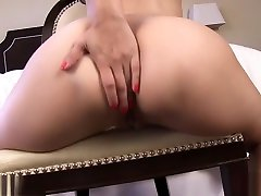 Sexy Striptease in gold bottom!