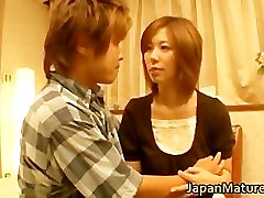 Japanese mature lady has great sex part1