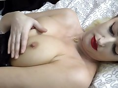 Solo sleping girll Brit oil irani britanny bayliss In Stockings