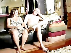 Srčkan debel dekle rad, da sesati tiča