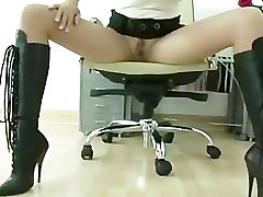 Gloved pp orno Sonia plays with cock