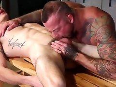 Bodybuilder power bottom