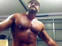 Bodybuilder Rogan Richards solo
