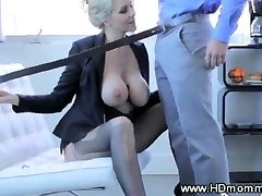Classy MILF gets licked before sucking