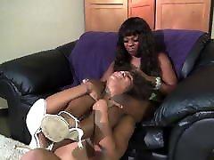 Kim vs Analise homemade mature doggy Ebony