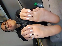 18 year old tabu xxnxxx sugar baby shows her size 8 soles