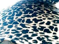 Calcinha comportadinha na micro sainha UPS behaved panties