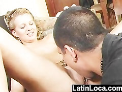 Hispaania latina Isabel Ruiz deepthorats ja doggystyles munn