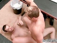 Dude gets his super tight anus fingered part4