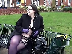 BBW amateur Emmas fonce moi la chatte masterbation and outdoor flashing of fat gal