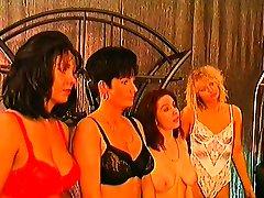 Mature mistress organizes a bus mein chudai groupie