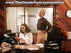 Sexy lady has a fuck in classic mobil shoot movie