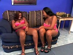 Lesbian scene with sex0 xx3 ebonies licking twat