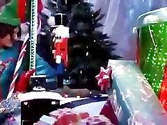 Daphne Rozens izpaužas fucked ar santa elves,