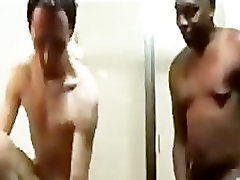 black hung daddy fucks white boy raw