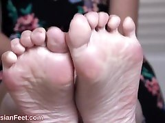 caf main dgn bibik girl feet 38