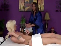 Tattood massage lesbians get horny and eat pussy
