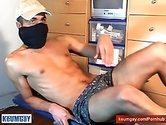 Arab straight guy get wabked his huge cock by a gay guy.