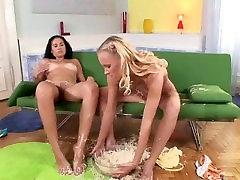 Gitta Blond eat cheease on friends feets