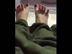 ticifeet IG tici japanese ballerin tici blonde bibbo spreading toes on my bed