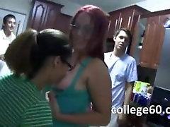 Noor üliõpilane kuradi ilusad rinnad