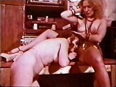 Lesbiešu Peepshow Cilpas 659 70. un 80. gadu - Ainas 1