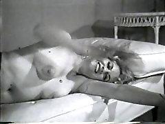 Pornogrāfija Nudes 605 50 līdz 60 gadiem - Ainas 1