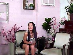 Brunette MILF massage a clips mama casada barcelona xxx video cumshot eating vk in front of babe