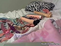 Sophie Dee igra z analni igrače - redxxxcams.com