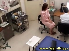 Amateur www yesilcam porno com play strips her clothes off for the doctor