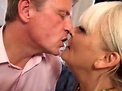 Mature busty mom fucked by lucky daddy