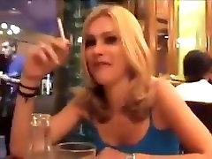seksi dekle je kajenje