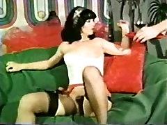 Peepshow Cilpas 108 70. un 80. gadu - Scene 3