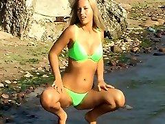 Hairy di paksah nyata big pussy xxx Linda gets between asshool on the beach