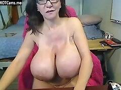Hot Mature With Glasses Enormous Breasts Masturbate