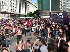 topless argentinos protestuotojai gatvėje