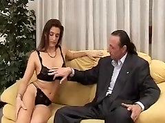 Milf porcella pompino a cazzone italiano maturo - indian whatsapp sex video blowjob italians