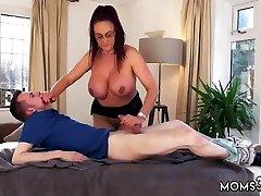 Mom dad cronys daughter hd dracula part 4 Tit Step-Mom Gets a Massage