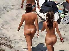 gražus nudistų paaugliams paplūdimyje