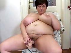 lielas krūtis mamma