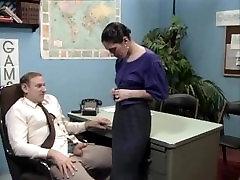 Old boss at desk bianalual raw getting a big lan black xxx job