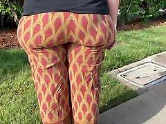 BBW Milf Pawg Wide Hips Bubble Butt Gilf Walking