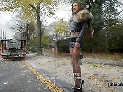 extreme heels : eternal hooker in most sexy miniskirt & fishnets in public