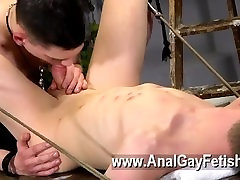 amateur sodomiser en trio twink Thats what Brett is faced with in this domination session,