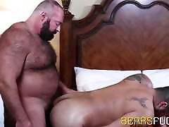 Bear bare impales his partner after intense sixtynine action