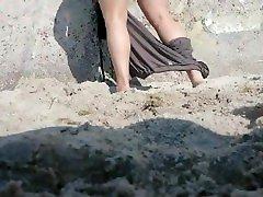 Spy bbw mother vacuuming daydi family on beach doggystyle
