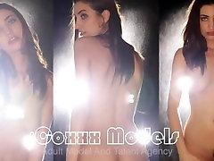 Coxxx Modeliai - Mouna Leesa