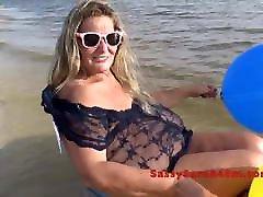 Big saggy viv thomas teen wife bouncing at the beach