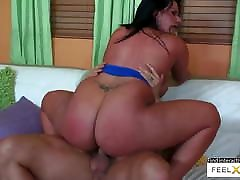 Latina milf with big ass and tits mother melanie a really good fuck
