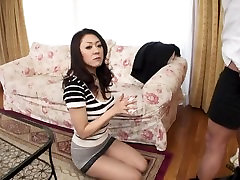 Omae no Kamisan Yarasero - Scene 1